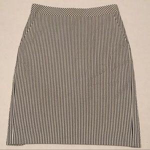 J. Crew Seersucker Navy/White Pencil Skirt Size 2